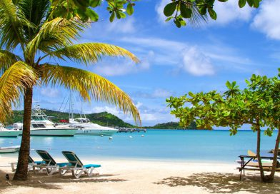Antigua_Catatmaran-Hotel-Beach