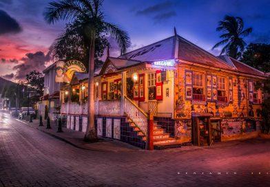 Statia_restaurant_night