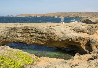 Aruba_Natural_Bridge