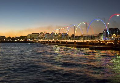 Curacao_Königin_Emma_Brücke_Nacht